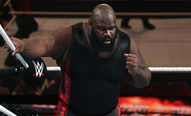 Mark Henry Comments on WWE Fans and Roman Reigns